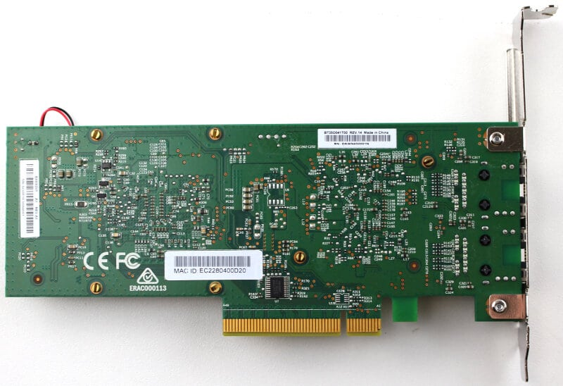 D-Link_DXE-820T-Photo-bottom two