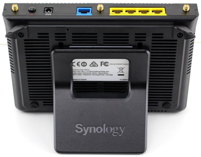 Synology-RT1900ac-Photo-stand