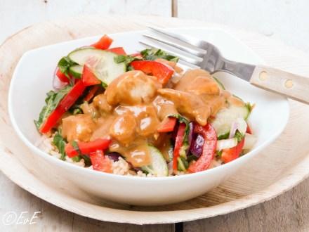 kipsate met rijst en groenten