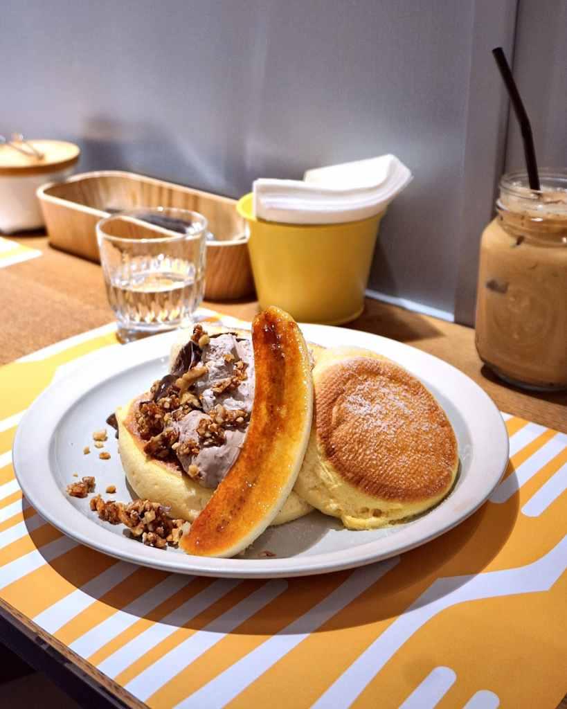 Japanese Souffle Pancakes with Hazelnut, Chocolate, and Caramel Banana at Flipper's Hong Kong