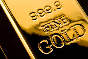 Systemic risks spark gold's gains