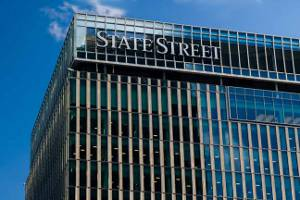 SSGA introduces accumulating share class for EM local currency bond ETF