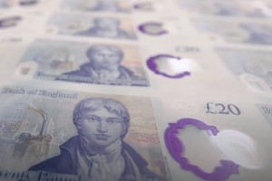 Invesco launches sterling corporate bond ETF on LSE