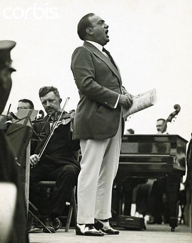 "Enrico Caruso, a ""real"" singer"