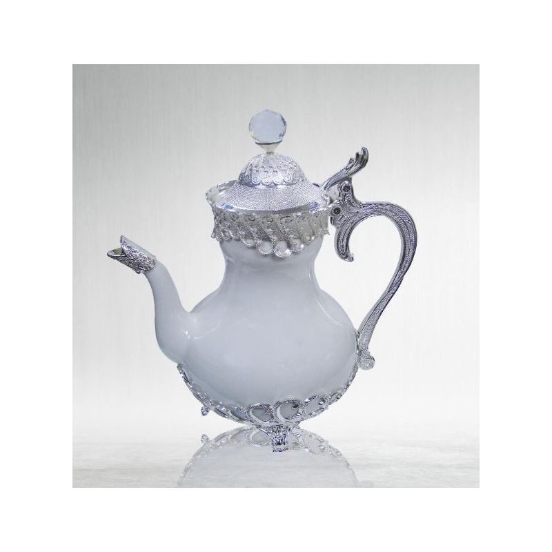 vente d une superbe theiere en porcelaine orientale blanche