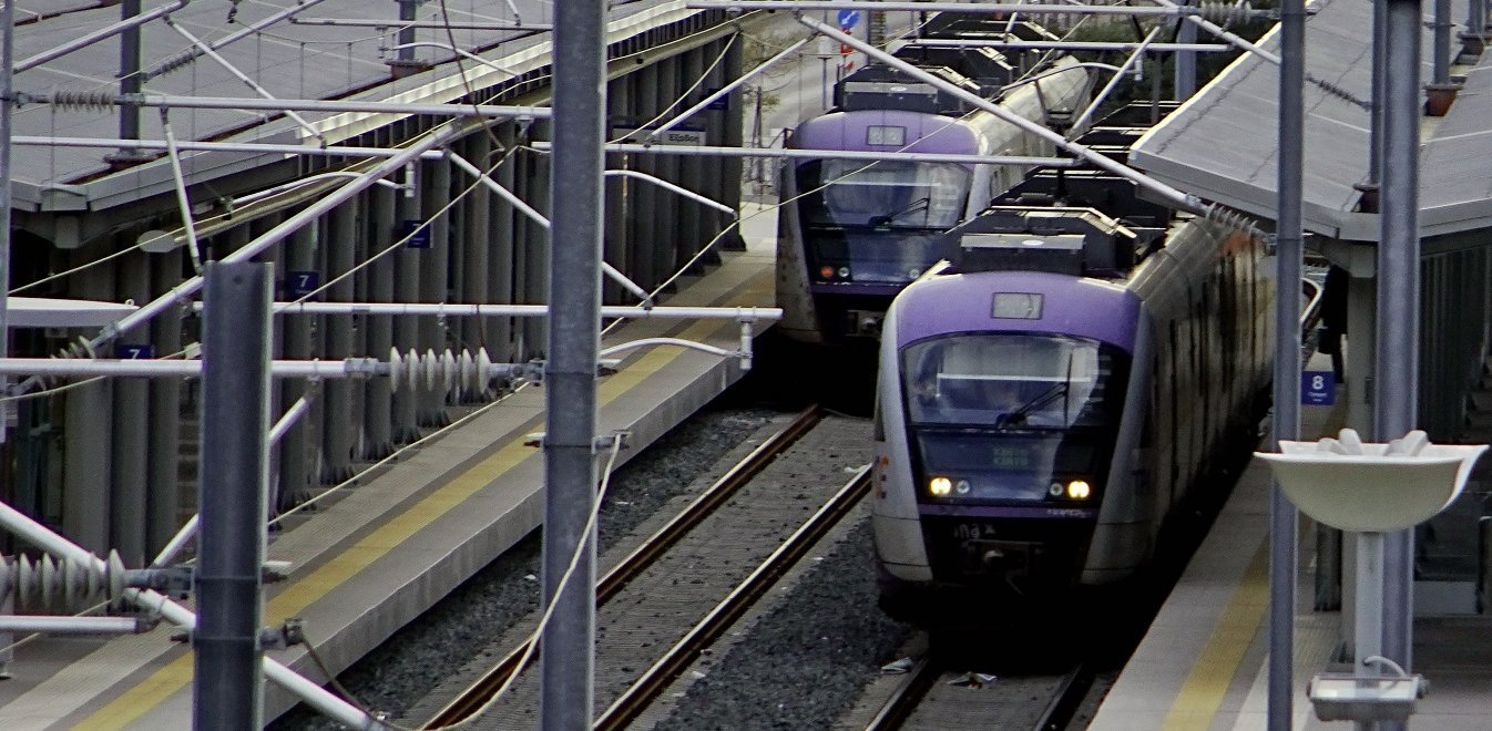 Απεργία στον Προαστιακό: Μπαλάκι οι ευθύνες, όμηροι οι επιβάτες