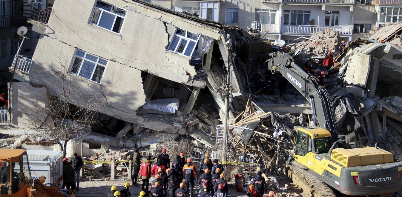 Νέος σεισμός τώρα 5,2 Ρίχτερ στην Τουρκία