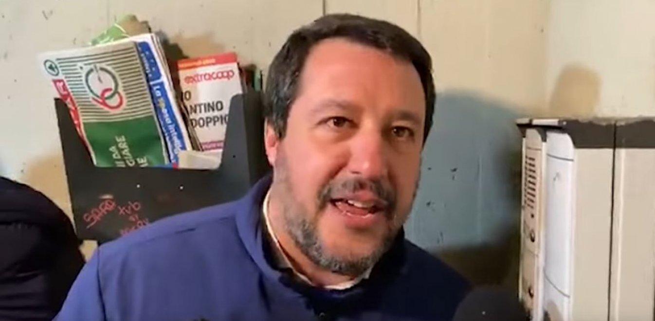 Ιταλία: Οργή για την ατάκα Σαλβίνι - «Είστε διακινητής ναρκωτικών;»