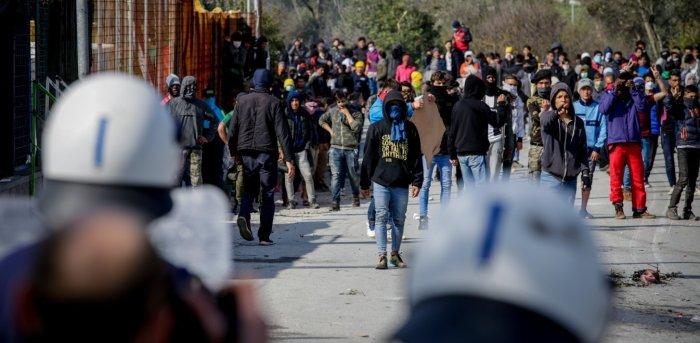 Βόρειο Αιγαίο: «Εμφύλιος» για τις ΜΚΟ σε Λέσβο-Χίο-Σάμο