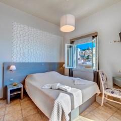 Deluxe δίκλινο δωμάτιο με μπαλκόνι θέα θάλασσα