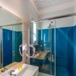 Μπάνιο superior δίκλινο δωμάτιο
