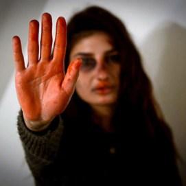 چرا زنان در برابر خشونت سکوت میکنند؟