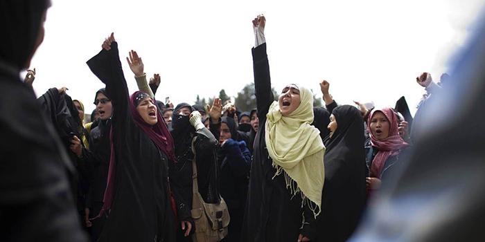 نیمهی فراموششدهی افغانستان؛ کشتی صلح بدون زنان به ساحل نمیرسد