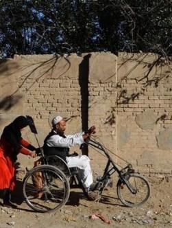 انتقاد از قطع حقوق معلولان غیرجنگی؛ «قانون تبعیضآمیز است»