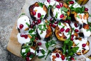Aubergine med sitronyoghurt og hvitløk - oppskrift / Et kjøkken i Istanbul