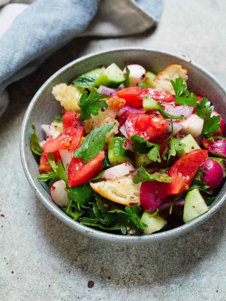 Fattoush (Levantinsk brødsalat) – oppskrift / Et kjøkken i Istanbul