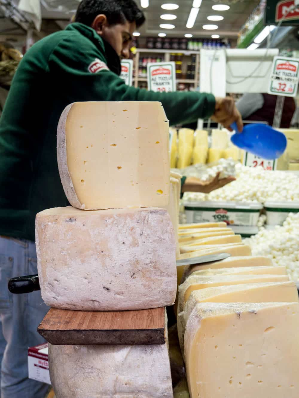 Cheese shop at the Istanbul spice market (Misir carsisi) / A kitchen in Istanbul