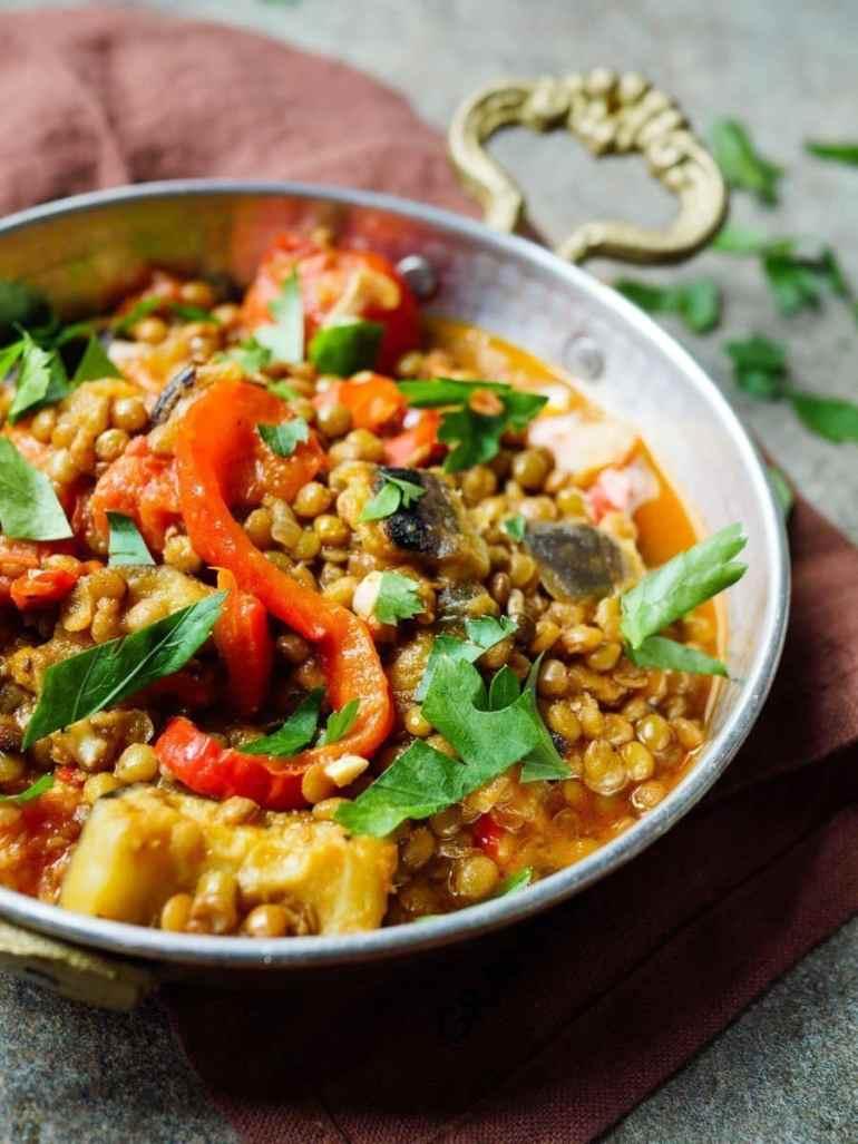 Linsegryte med aubergine og paprika - oppskrift / Et kjøkken i Istanbul