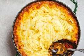 Vegetarisk shepherd's pie med smak av Midtøsten - oppskrift fra Et kjøkken i Istanbul