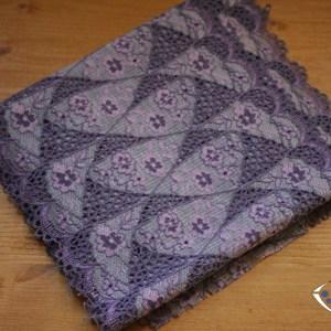 Dentelle n°28 : coupon de 2,5 m parme violet