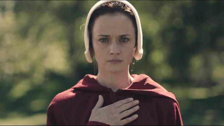 Resultado de imagem para elisabeth moss the handmaid's tale