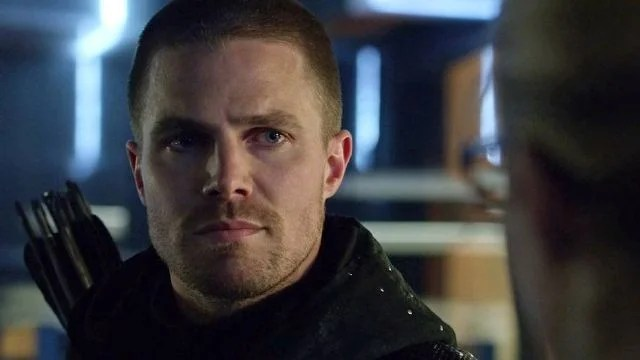 EXCLUSIVE Arrow Stars Weigh In On Oliver Queens Ever