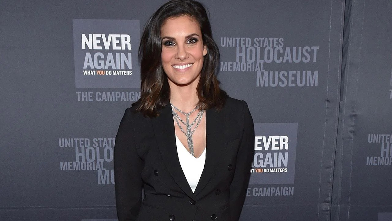 Ncis Los Angeles Star Daniela Ruah Is Pregnant With