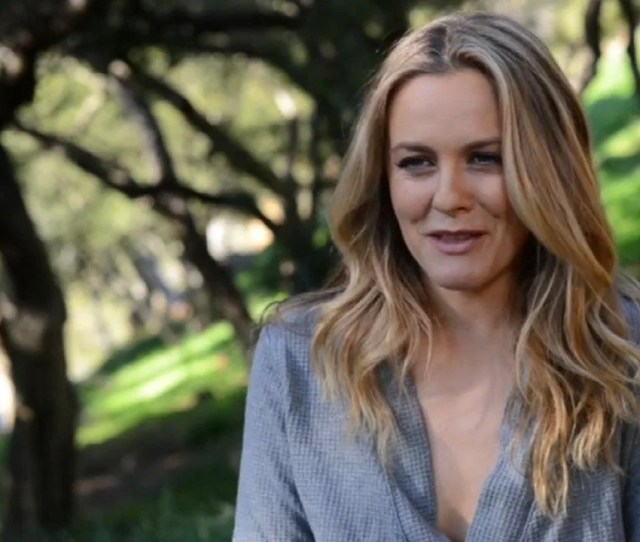 Alicia Silverstone Goes Naked For Peta To End Sheep Cruelty See The Stunning Pic Entertainment Tonight