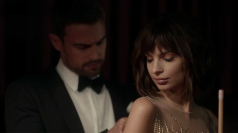 Theo James & Emily Ratajkowski in Lying and Stealing recensie