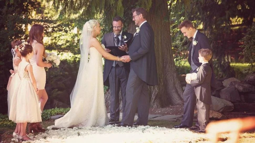Melrose Place Star Josie Bissett Ties The Knot In