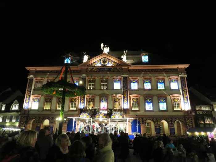 Marché de Noël 2015 à Gengenbach, calendrier de l'avent ©Etpourtantelletourne.fr