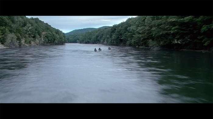 """Anduin River © copie d'écran tirée du film """"Le Seigneur des anneaux : la communauté de l'anneau"""" de Peter Jackson / New Line Cinema"""