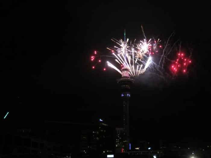 Auckland - feu d'artifice nouvel an 2016 ©Etpourtantelletourne.fr