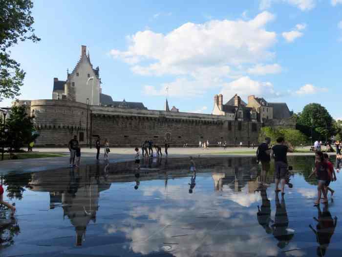 Nantes le miroir d'eau 2016 ©Etpourtantelletourne.fr