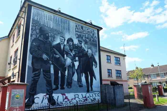 Londonderry street art ©Etpourtantelletourne.fr
