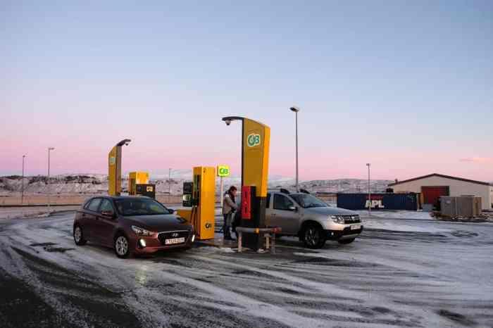 Islande en hiver louer une voiture ©Etpourtantelletourne.fr