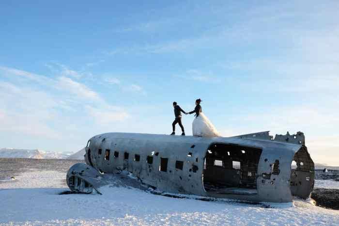 Avion Islande photo mariage ©Etpourtantelletourne.fr