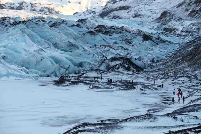 Islande en hiver Le glacier Sólheimajökull ©Etpourtantelletourne.fr