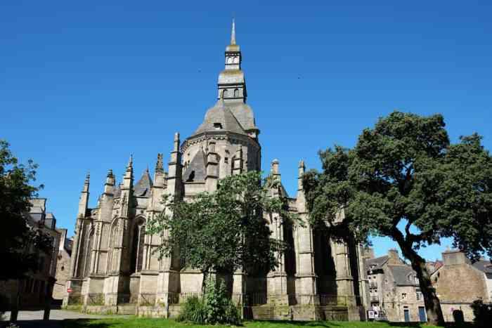 Basilique Saint-Sauveur de Dinan ©Etpourtantelletourne.fr