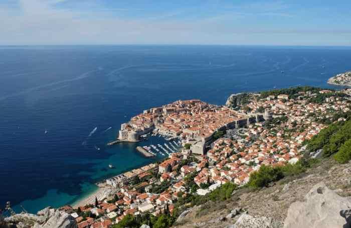 Vue sur la ville de Dubrovnik depuis le Mont Srd ©Etpourtantelletourne.fr