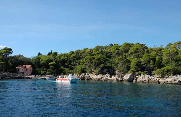 Traversée en bateau pour l'île de Lokrum Dubrovnik ©Etpourtantelletourne.fr