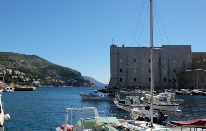 Itinéraire sur les lieux de tournage de Game of Thrones en Croatie - Dubrovnik - Port bataille de Port-Real saison 8 ©Etpourtantelletourne.fr
