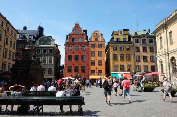 Place Stortorget, la vieille ville de Stockholm // ©etpourtantelletourne.fr