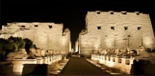 temple de karnak de nuit - egypte - Être Soi
