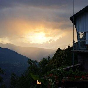 sonnenuntergang terrasse hotel pension etschblick