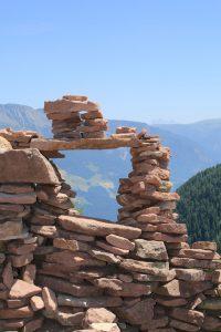 stoanerne mandln steinerne mandlen uomini di pietra meltina sarentino torre