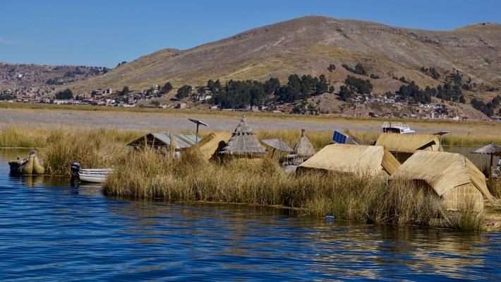 Puno ...? Ou plutôt le lac Titicaca - Les îles Uros