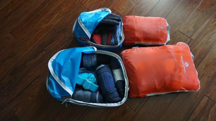 Notre équipement pour notre voyage autour du monde - Dans les cubes