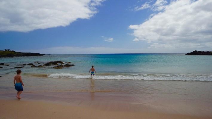 Île de Pâques - À la recherche de Rapa Nui pool - Anakena