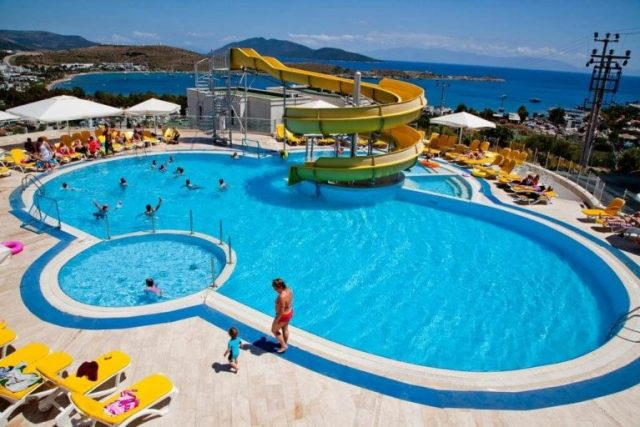 12-year-old Russian tourist injured in Turkish hotel pool dies in hospital